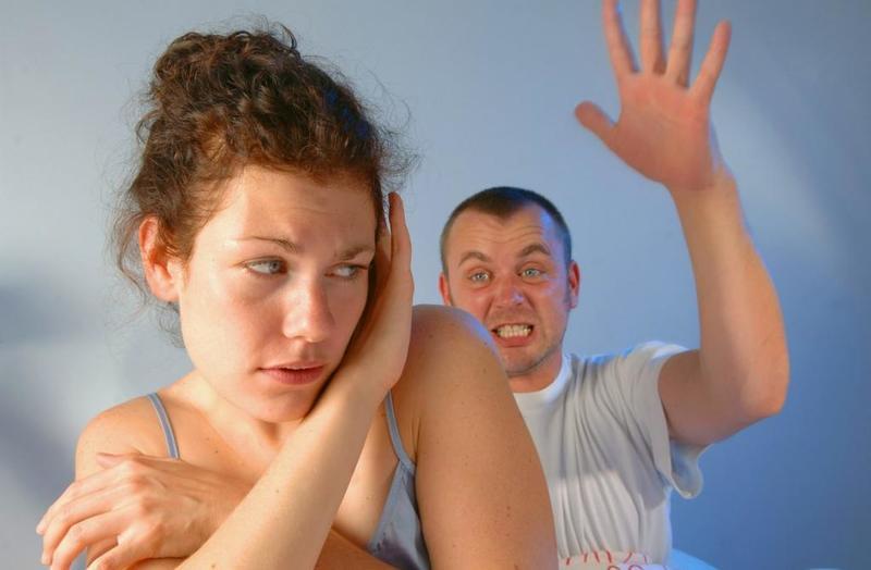 صورة احب زوجي يضربني , هل طلب الضرب من الزوج مشكلة ام طبيعي
