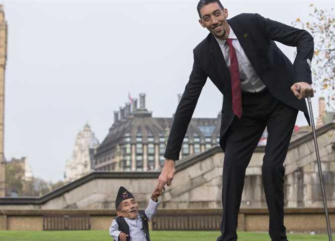 صورة صور اقصر رجل في العالم , الرجل الاسطورة اقصر قامة في جميع الدول