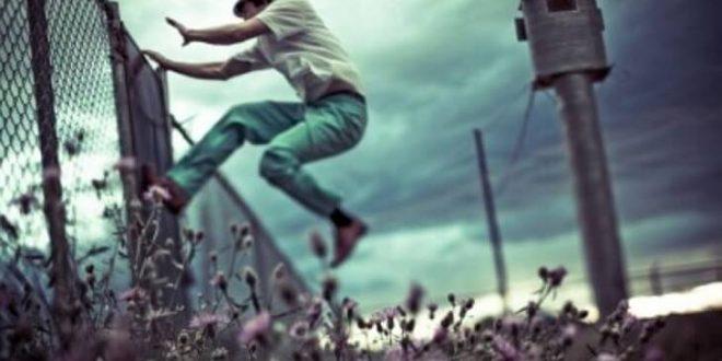 صور تفسير حلم الهروب في المنام , شرح معاني رؤية الهرب في الحلم