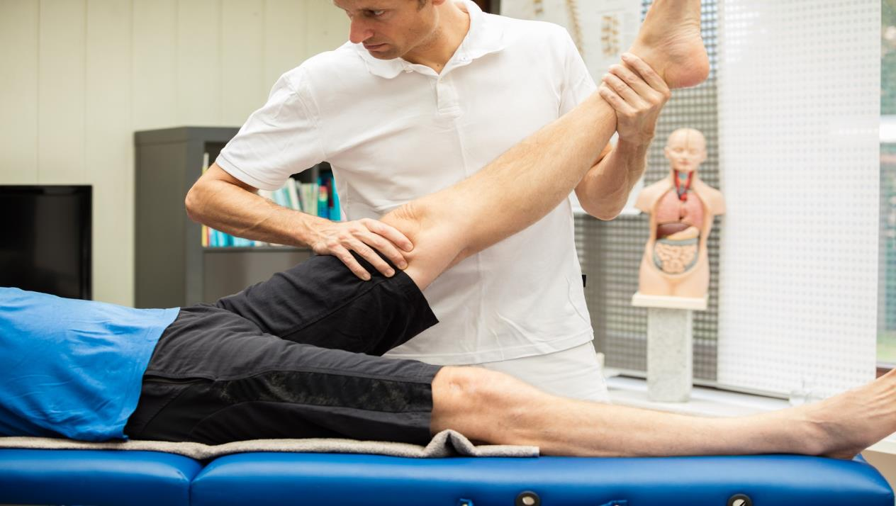 صورة علاج تمزق غضروف الركبة بالاعشاب , الطب البديل بالاعشاب