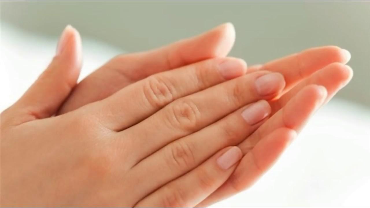 صورة تقبيل يد الميت في المنام , فسر حلمك بسهوله