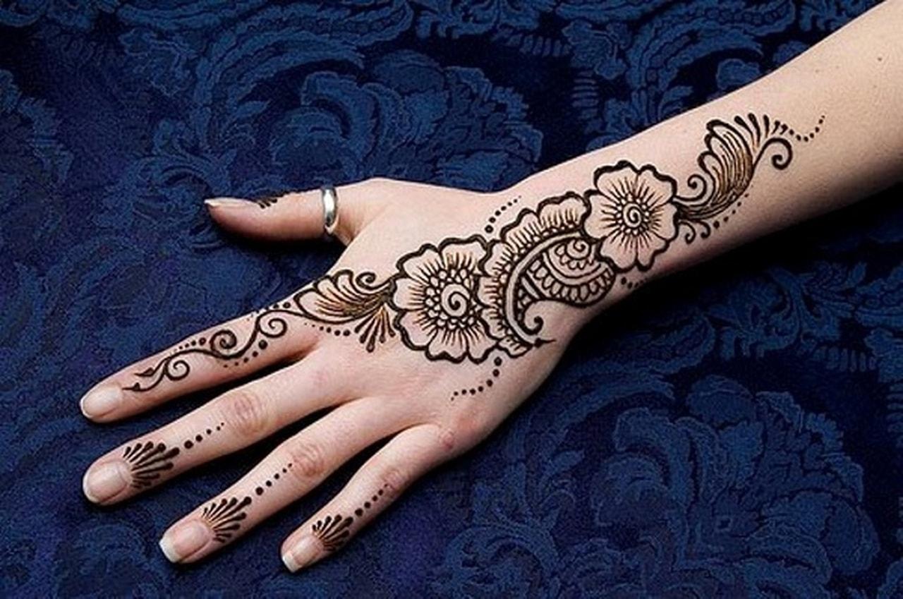 صورة تفسير حلم الحناء في اليد لغير المتزوجة , احلام بنات وتفسيرها