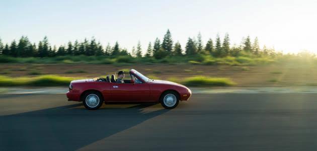 صورة تفسير قيادة السيارة في الحلم , معني السواقة في الحلم