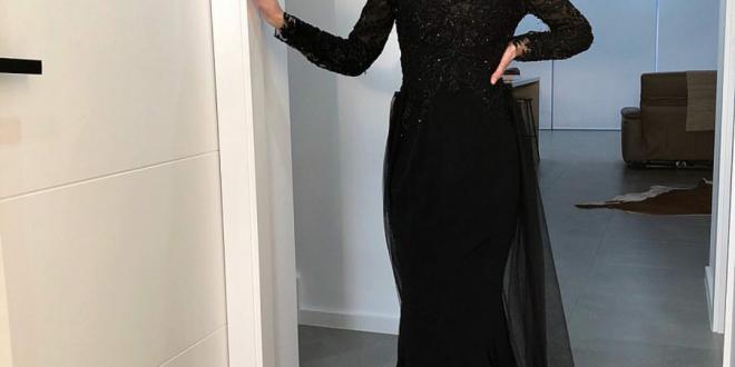 صورة الوان طرح على فستان اسود سواريه , البسي نفس فستانك بشكل جديد