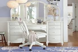 صورة تسريحات غرف نوم كلاسيك , تصاميم ديكوريه رائعه لغرف النوم 512 2
