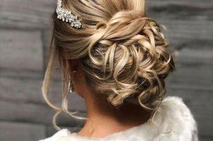 صورة تسريحات شعر للعرائس 2019 , تصاميم لشعر العروس 2020