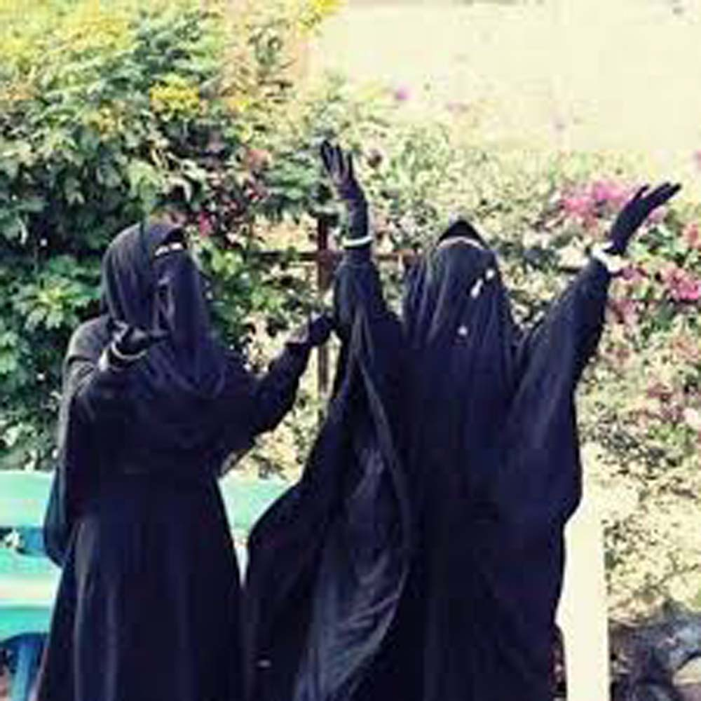 صورة صور بنات منقبات , فتاه تزينت بالنقاب ولا احلى منها بجد