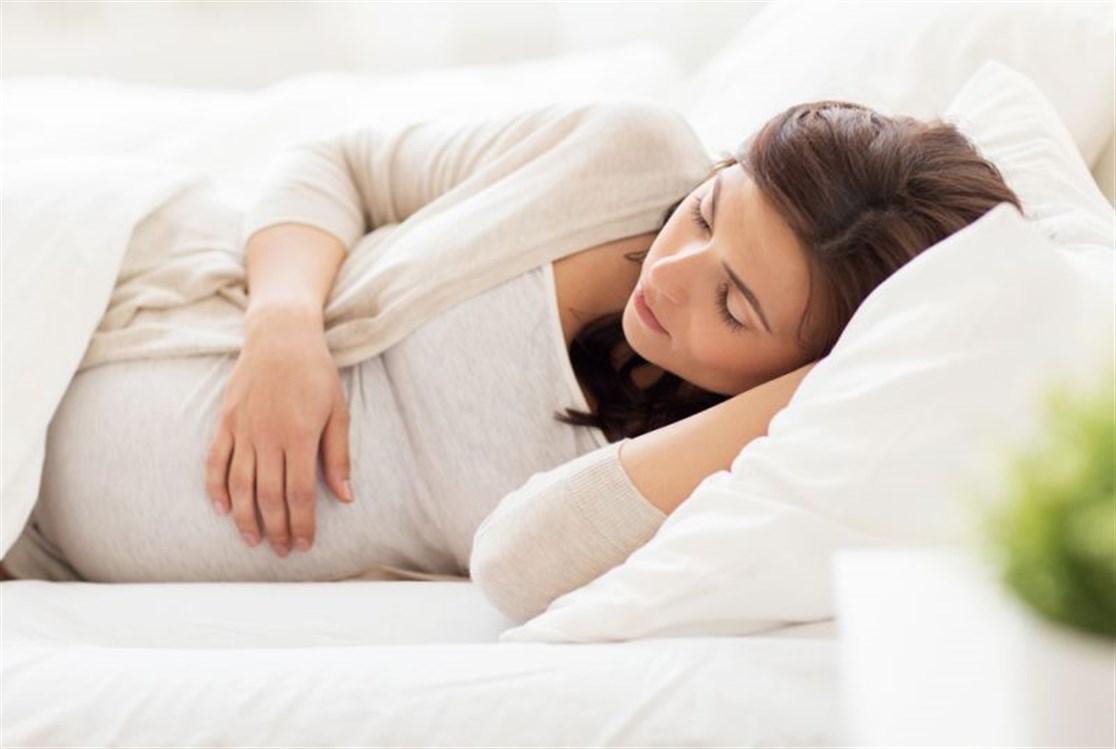 صورة كيف تنام الحامل ،نصائح غالية للمرأة الحامل كيف تنام؟